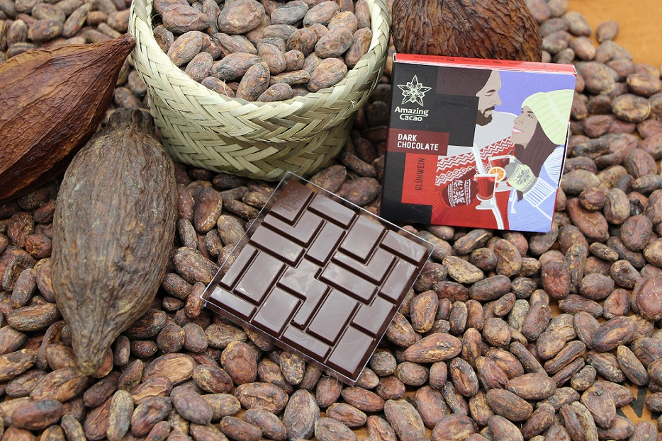 New Peruvian dark 70% chocolate with Gluhwein spices!